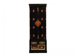上品な黒塗りが特徴の京型仏壇です。