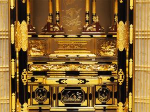 細部の彫刻まですべて本金箔を施したお値打ち名古屋仏壇です。