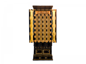 金具の豪華さが魅力の名古屋仏壇です。