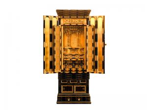 細部にまで本金箔を施した本願寺用の名古屋仏壇です。