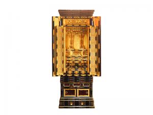 3尺仏間に収まる本願寺用の本金箔で仕上げた名古屋仏壇です。