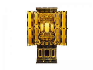 名古屋仏壇をベースにうねり欄間で仕上げた国産仏壇です。
