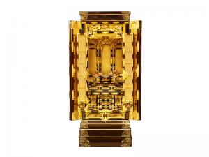 3尺仏間用の国産仏壇で、高山仏壇ならではの豪華さが魅力です。