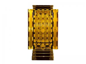 障子の蒔絵を施した高山仏壇です。無垢材に拘った国産仏壇です。