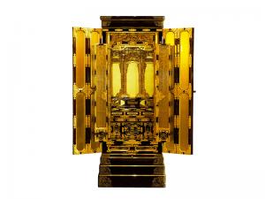 国産無垢材を使用して製作した国産高山仏壇です。