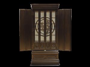 円窓障子の中の繊細な彫刻が上品なお仏壇です。