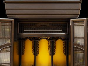 シンプル中に輪違い組子が引き立つ国産仏壇です。