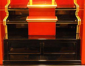 内部はシンプルな造りでお位牌が設置し易いです。