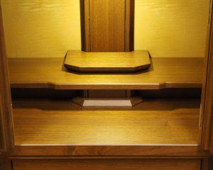 広いお祀りスペースを確保した国産仏壇です。