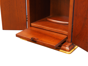 スライド棚がお給仕に便利にご使用できます。