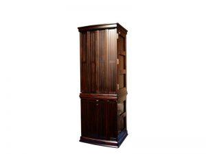 扉部分には伝統的技法のさねはぎ技法を用いてフローリング状に並べた戸板を採用しました。